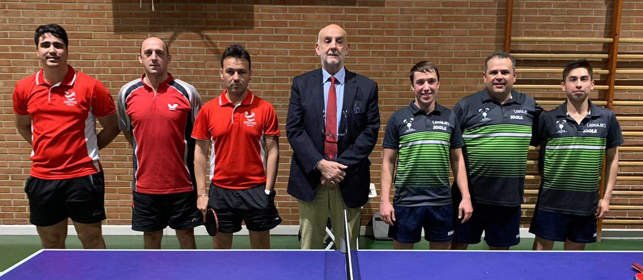 Rubén, Miguel y David posando antes del partido